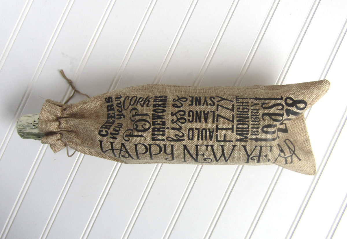Project Idea for Cricut/Silhouette – New Year's Eve Burlap Champagne/Wine Bag